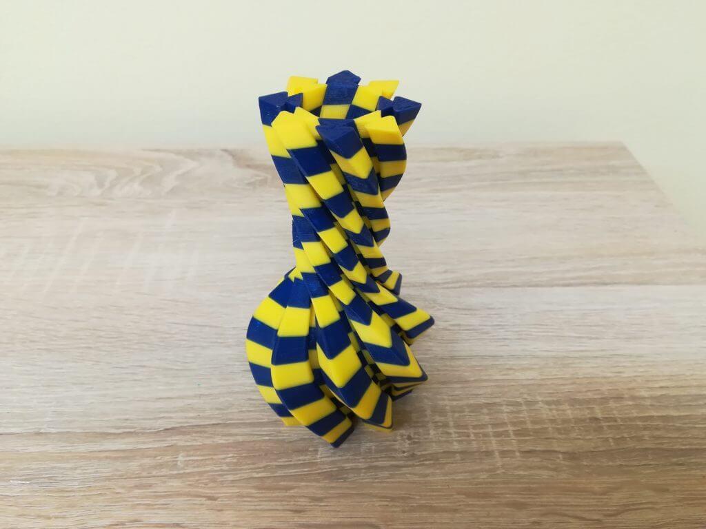 3D nyomtatott csavart forma