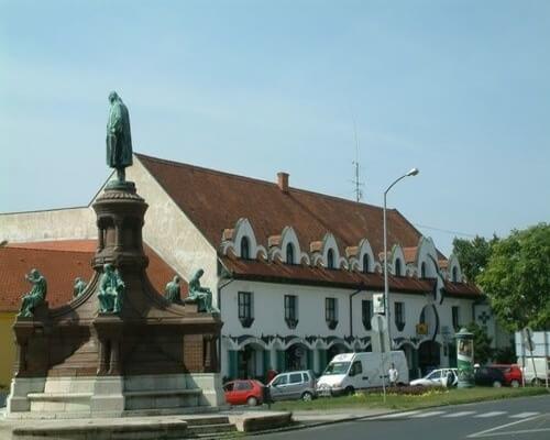 Bérelhető oktatóterem Pécs belvárosában